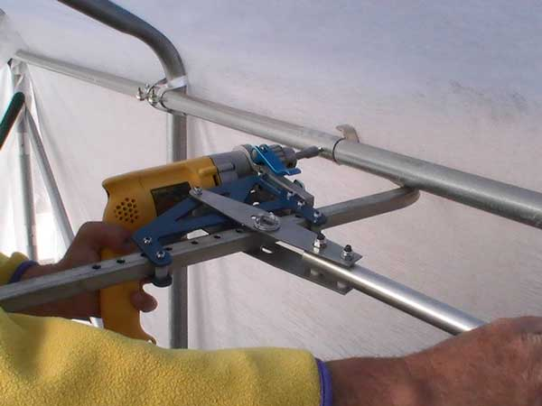Working with self-tapping screws using drill machine